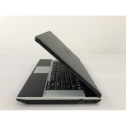 Laptop - Fujitsu Siemens E742